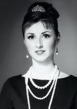Dziewczyna w wizerunku Audrey Hepburn obrazy stock
