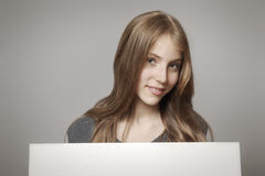Dziewczyna z deską Fotografia Stock