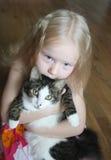 Dziewczyna z kotem Zdjęcia Royalty Free