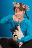 Dziewczyna z kotem. Zdjęcie Stock