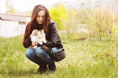 Dziewczyna z kotem Zdjęcie Royalty Free
