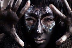Dziewczyna z kreatywnie twarzy sztuki makeup Zdjęcie Stock