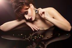 Dziewczyna z kryształami Zdjęcia Royalty Free
