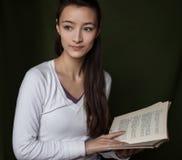 Dziewczyna z książką Obraz Royalty Free
