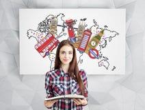 Dziewczyna z książką i Londyn widokami Obraz Royalty Free