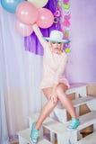 Dziewczyna z makeup w stylowej wystrzał sztuce, balonach i Fotografia Royalty Free