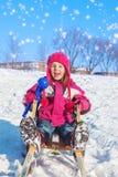 Dziewczyna z snowball producentem Zdjęcie Royalty Free
