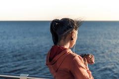 Dziewczyna z sporta zegarowym zbliżeniem Fotografia Stock