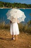 Dziewczyna z sunshade Obrazy Royalty Free