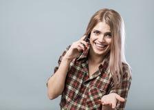 Dziewczyna z telefonem Fotografia Royalty Free