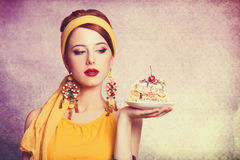 dziewczyna z tortem Obrazy Royalty Free