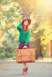 Dziewczyna z walizką Zdjęcia Royalty Free