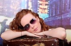 Dziewczyna z walizką Zdjęcia Stock