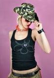 Dziewczyna z wojsko kapeluszem Zdjęcia Royalty Free
