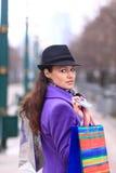 dziewczyna z zakupami i kredytową kartą Obraz Royalty Free