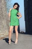 Dziewczyna z zieleni suknią Obrazy Royalty Free