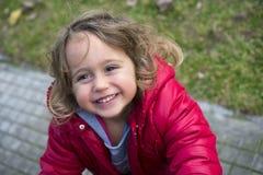 Dziewczynka śmiechy zdjęcia royalty free