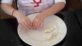 Dziewczynka kucharz zdjęcie wideo