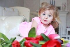 Dziewczynka w kwiatach Obrazy Royalty Free