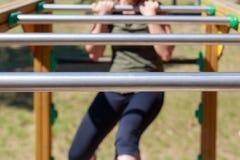 Dziewczyny ćwiczy sprawność fizyczna fotografia stock