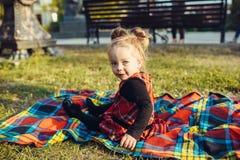 dziewczyny łąki ja target725_0_ Fotografia Stock