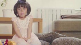 Dziewczyny łasowania cukierki zbiory wideo
