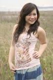 dziewczyny azjatykcia trawy. Zdjęcie Royalty Free