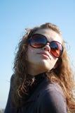 dziewczyny błękitny niebo Zdjęcia Stock
