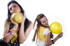 dziewczyny balonowy owocowy kolor żółty fotografia royalty free