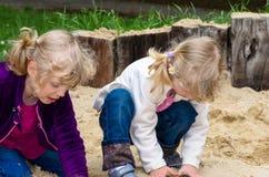 Dziewczyny bawić się Zdjęcia Stock