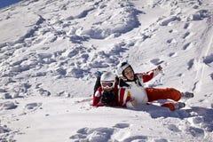 Dziewczyny biorą zabawę w górach Fotografia Stock