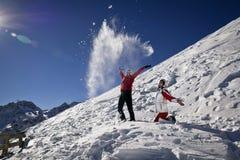Dziewczyny biorą zabawę w górach Obraz Stock