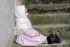 dziewczyny chustki smutny mały biel Zdjęcie Stock