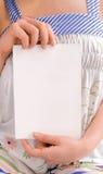 dziewczyny chwyta notatnika papier Obrazy Stock