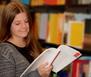 dziewczyny do czytania książki young Zdjęcie Royalty Free