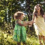 Dziewczyny dziecka dzieci dzieciństwa czasu wolnego Przypadkowy pojęcie Fotografia Stock