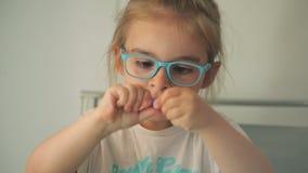 Dziewczyny foremka od plasteliny zdjęcie wideo