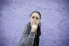 Dziewczyny gniewna cisza obrazy royalty free
