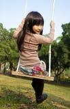 dziewczyny huśtawka zdjęcia royalty free