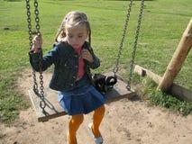 dziewczyny huśtawka Zdjęcie Royalty Free