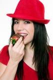dziewczyny jedzący truskawki Obrazy Stock