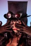 dziewczyny jestem ubranym portreta tophat target1477_0_ fotografia stock