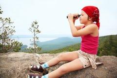 dziewczyny jeziorny spyglass lato Fotografia Royalty Free