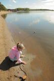 dziewczyny jezioro Zdjęcia Royalty Free