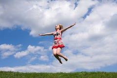 dziewczyny jumping Obraz Royalty Free