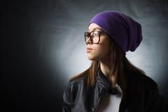 dziewczyny kapeluszu trykotowe ładne purpury Fotografia Stock