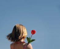 dziewczyny kwiat młode gospodarstwa Obrazy Royalty Free