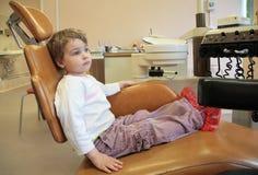 dziewczyny małej operacji stomatologicznej Fotografia Royalty Free