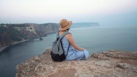 dziewczyny medytuje morze zbiory