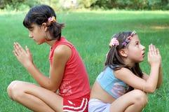 dziewczyny modlitewne Zdjęcia Royalty Free